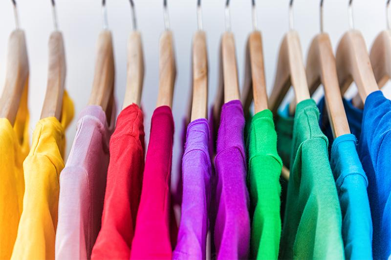 Kleiderraum für Menschen mit KulturLegi im Rontal