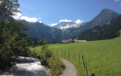 Unterwegs am Bach